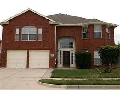 Haltom City Single Family Home For Sale: 5700 Ridgeview Drive