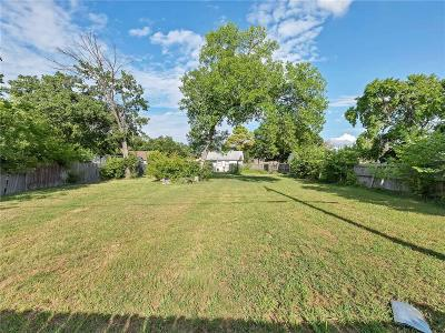 Grapevine Single Family Home Active Option Contract: 215 N Starnes Street