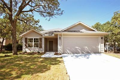 Pelican Bay Single Family Home For Sale: 1677 Long Avenue