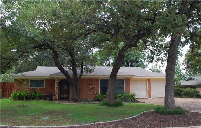 Bedford, Euless, Hurst Single Family Home For Sale: 829 Patti Drive