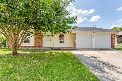 White Settlement Single Family Home Active Option Contract: 609 Saddle Road