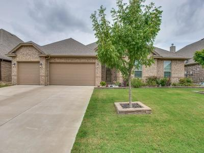 Burleson Single Family Home For Sale: 328 Canadian Lane
