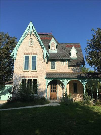 Single Family Home For Sale: 613 Walnut Street