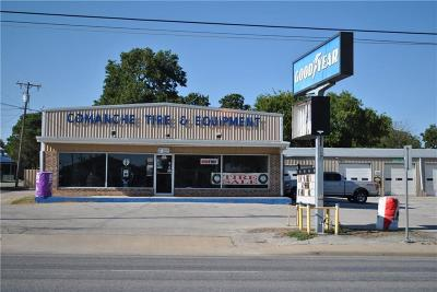 Comanche Commercial For Sale: 401 E Central Avenue
