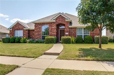 Single Family Home For Sale: 1302 E Oak Street