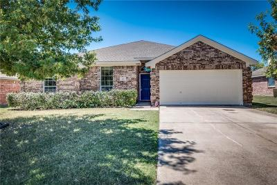 Waxahachie Single Family Home For Sale: 105 Buckskin Drive