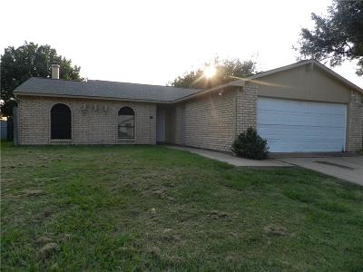Fort Worth Single Family Home For Sale: 7616 Spicebush Road