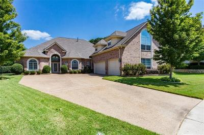 Grapevine Single Family Home For Sale: 2604 Buckhorn Court