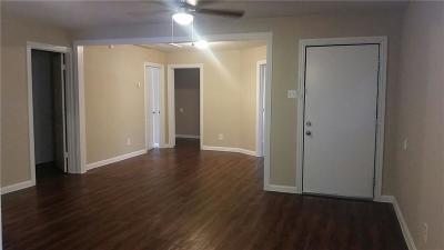 Dallas Single Family Home For Sale: 1924 Village Way