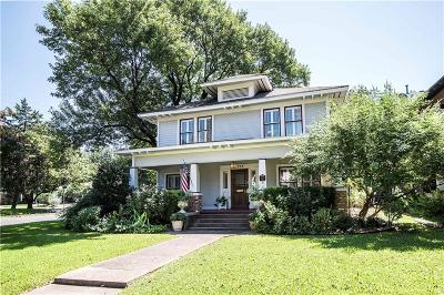 Dallas Single Family Home Active Contingent: 5212 Worth Street