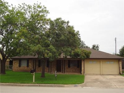 Bedford, Euless, Hurst Single Family Home For Sale: 2249 Shady Brook Drive