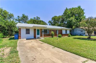 Haltom City Single Family Home For Sale: 3945 Janrue Court