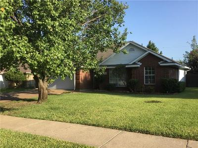 Lewisville Single Family Home Active Option Contract: 521 Sides Court