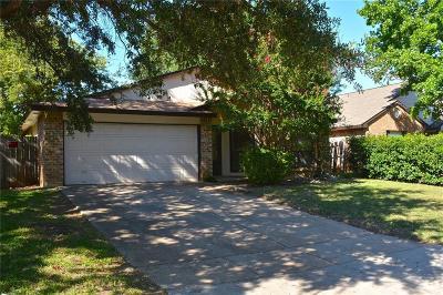 Arlington Single Family Home For Sale: 2419 Cripple Creek Drive