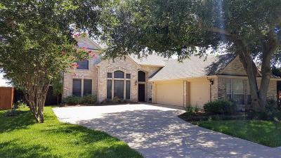 Mckinney Single Family Home For Sale: 2715 Parkside Lane