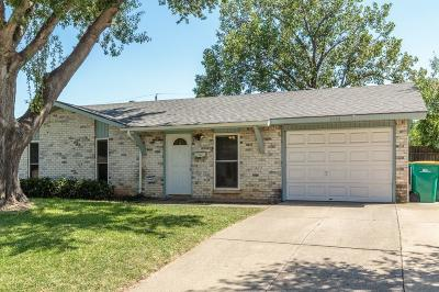 Lewisville Single Family Home Active Contingent: 1020 Briarwood Drive