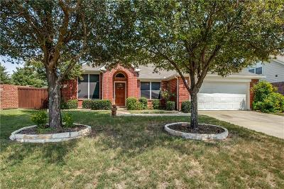 Fort Worth TX Single Family Home For Sale: $274,900