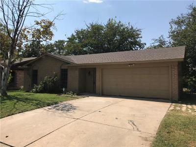White Settlement Single Family Home Active Option Contract: 729 Hallvale Drive