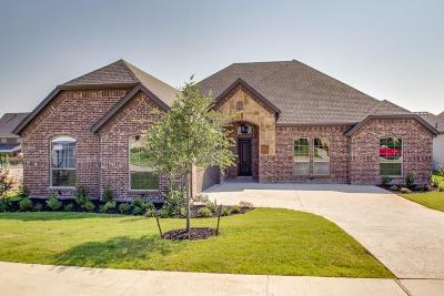 Fort Worth Single Family Home For Sale: 4441 Knoll Ridge Drive