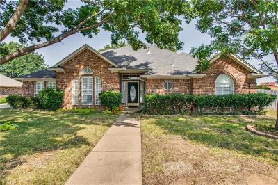 North Richland Hills Single Family Home For Sale: 7841 Old Hickory Drive