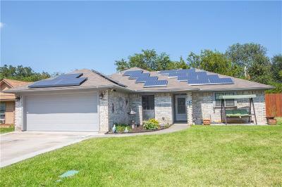 White Settlement Single Family Home For Sale: 8516 Whitney Drive