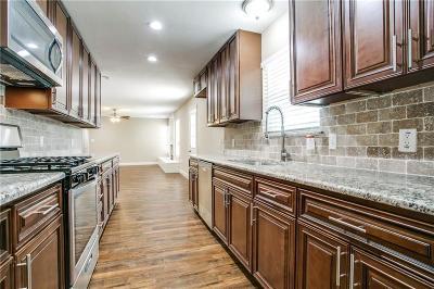 Hurst Single Family Home For Sale: 1005 W Creek Drive