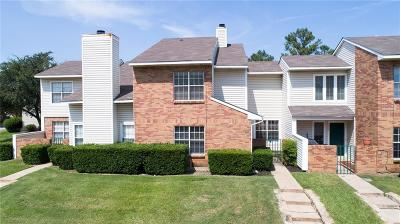 Lewisville Townhouse Active Option Contract: 837 Creekside Drive