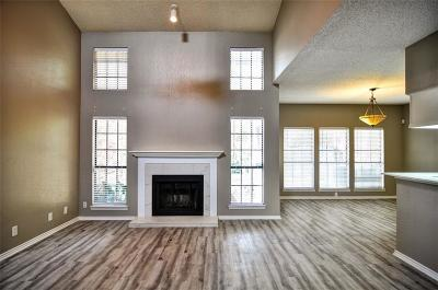 Plano Townhouse Active Option Contract: 3109 Devonshire Drive