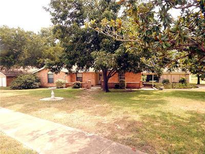 Grand Prairie Single Family Home For Sale: 401 Gramley Street