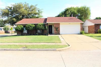 Grand Prairie Single Family Home For Sale: 1601 Santa Fe Trail