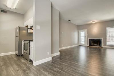 Dallas Condo For Sale: 5620 Live Oak Street #207