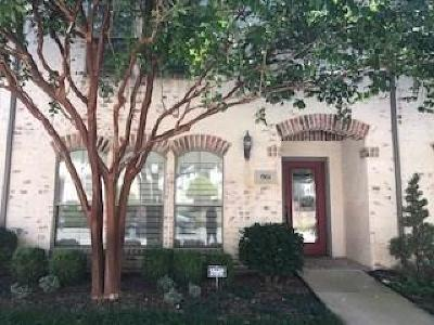 Mckinney Townhouse Active Option Contract: 1901 Desoto Drive