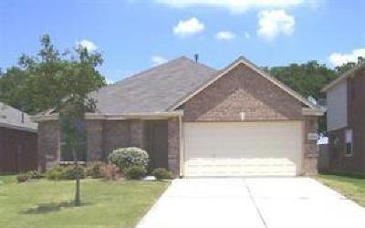 Grand Prairie Single Family Home Active Option Contract: 5888 Crestview Drive