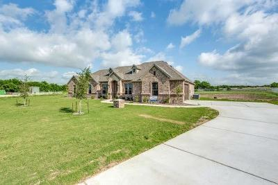 Fort Worth Single Family Home For Sale: 112 Tioga Downs Court