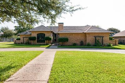 Fort Worth Single Family Home For Sale: 3917 Snow Creek Drive
