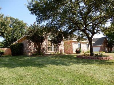 Grand Prairie Single Family Home For Sale: 4330 Clayton Street