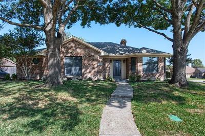 McKinney Single Family Home For Sale: 2202 Deep Valley Drive