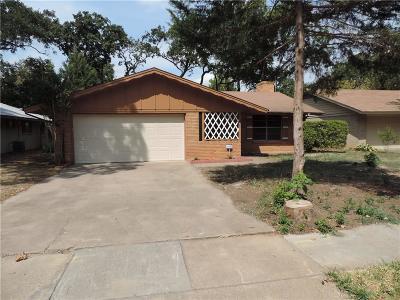 Irving Single Family Home For Sale: 2127 Royal Oaks Drive