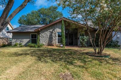 Arlington Single Family Home For Sale: 1705 Larkspur Drive