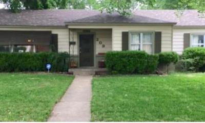 Irving Single Family Home For Sale: 209 W 11th Street