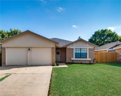 Arlington Single Family Home For Sale: 222 Lantana Drive