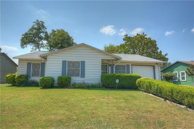 Arlington Single Family Home For Sale: 1604 Tower Drive