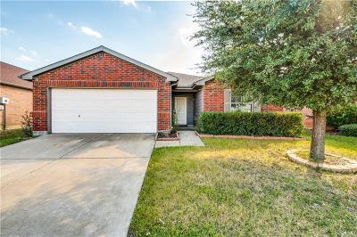 Cross Roads Single Family Home For Sale: 8708 Tumbleweed Drive