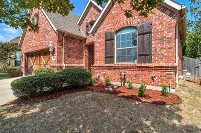 Euless Single Family Home For Sale: 105 Edinborough Drive