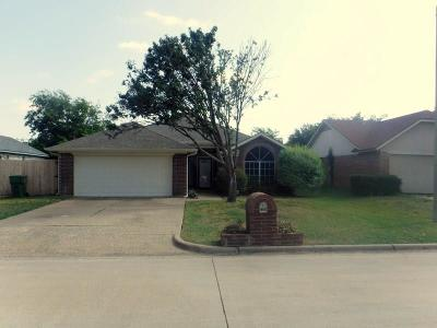 Mansfield Single Family Home For Sale: 1208 Eastfield Drive