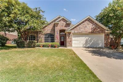 Burleson Single Family Home For Sale: 908 Linden Drive