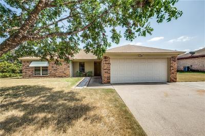 Arlington Single Family Home For Sale: 6003 Maple Springs Drive