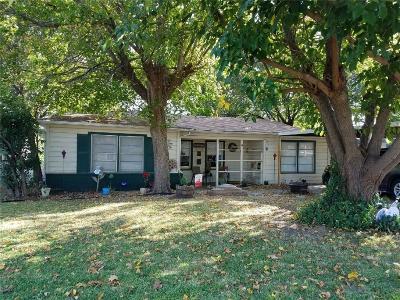 Haltom City Single Family Home For Sale: 5120 Ira Street