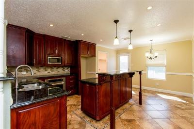Single Family Home For Sale: 6809 Meadow Way Lane