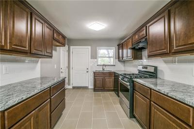 Mesquite Single Family Home For Sale: 1325 Rusk Drive